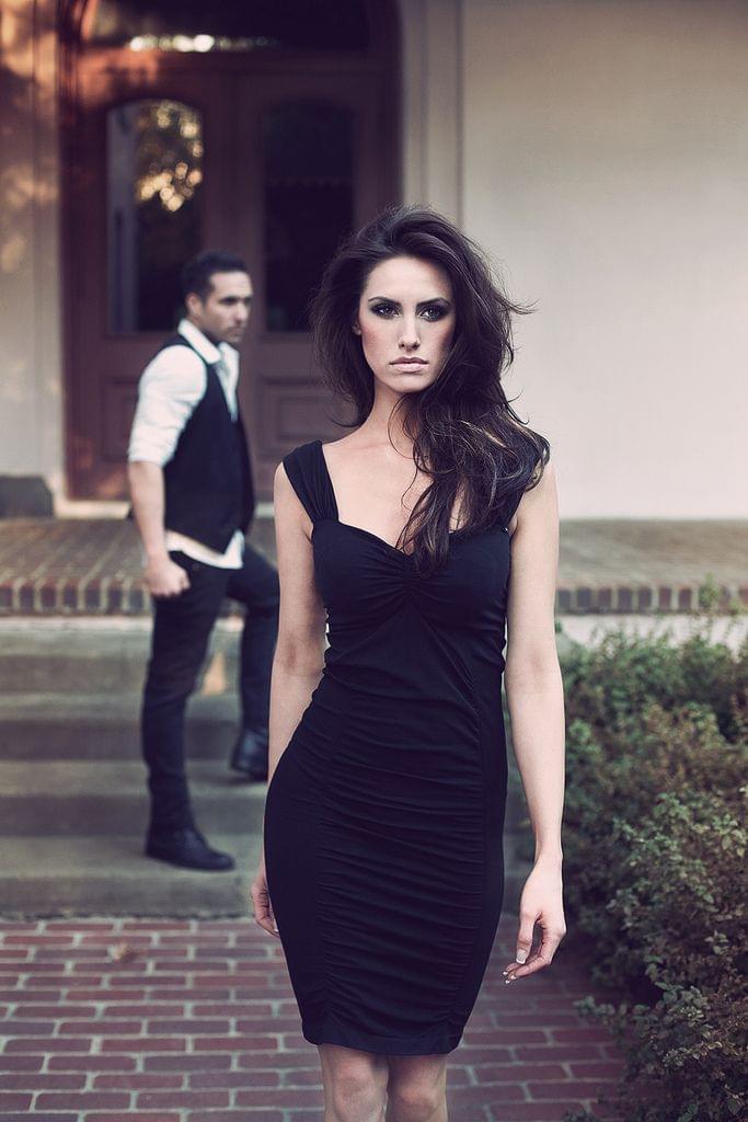 Simple black dress – Fashion Inspiration