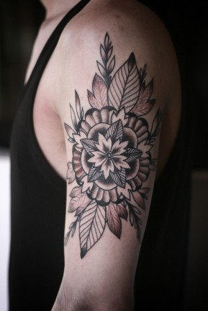 geometric flower/mandala thing by alice carrier. at anatomy tattoo, in portland oregon.
