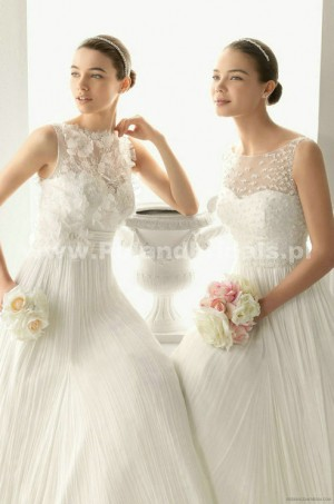 style 321.00 – Aire Barcelona 119 Oda Wedding Gown,mermaid gown features ruched satin thro ...