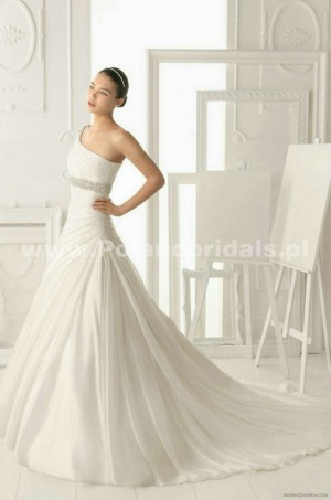 style 317.00 – Aire Barcelona 167 Orgiva Wedding Gown,Clean flowers skim the hem,The lace ...