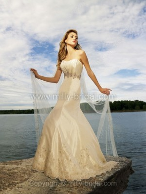 A-line Sweetheart Taffeta Court Train Appliques Wedding Dresses