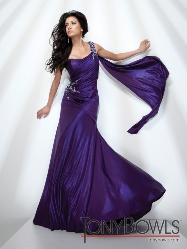 deep purple gown | Pageant thoughts | Pinterest