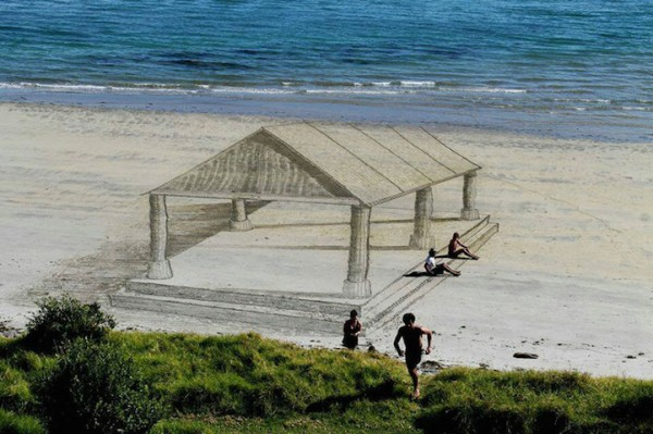 Optical Illusions and 3D Beach Art By Artist Jamie Harkins