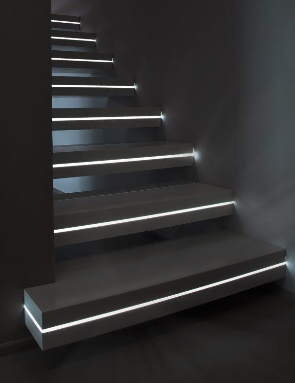 Corian® cantilevered staircase LUXO SURFACES – OFFICINE SANDRINI