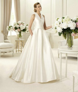 wedding Photo – style 347.00 bridal gown – Style pronovias Gala Halter A-Line  For y ...