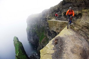 Death-Defying Photo That Will Make Your Heart Skip A Beat