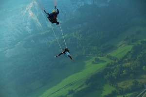 Death-Defying Photo That Will Make Your Heart Skip A Beat | Bored Panda