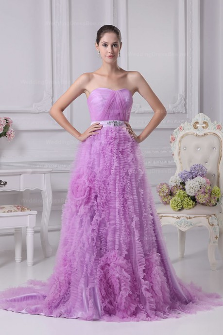 Soft sweetheart neckline ruffled tulle skirt wedding dress |13w color | WeddingDressBee