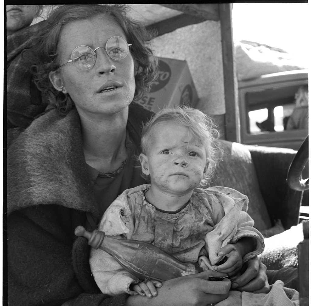 Black and White Photography by Dorothea Lange