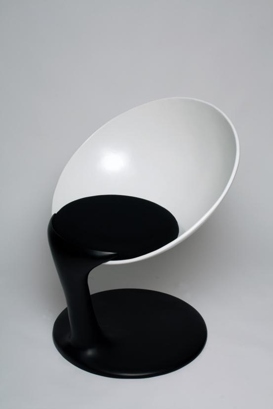 ingenious/humorous modern seat design by alexander nettesheim