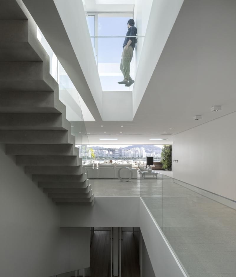 Urca Apartment by Arthur Casas – I Like Architecture