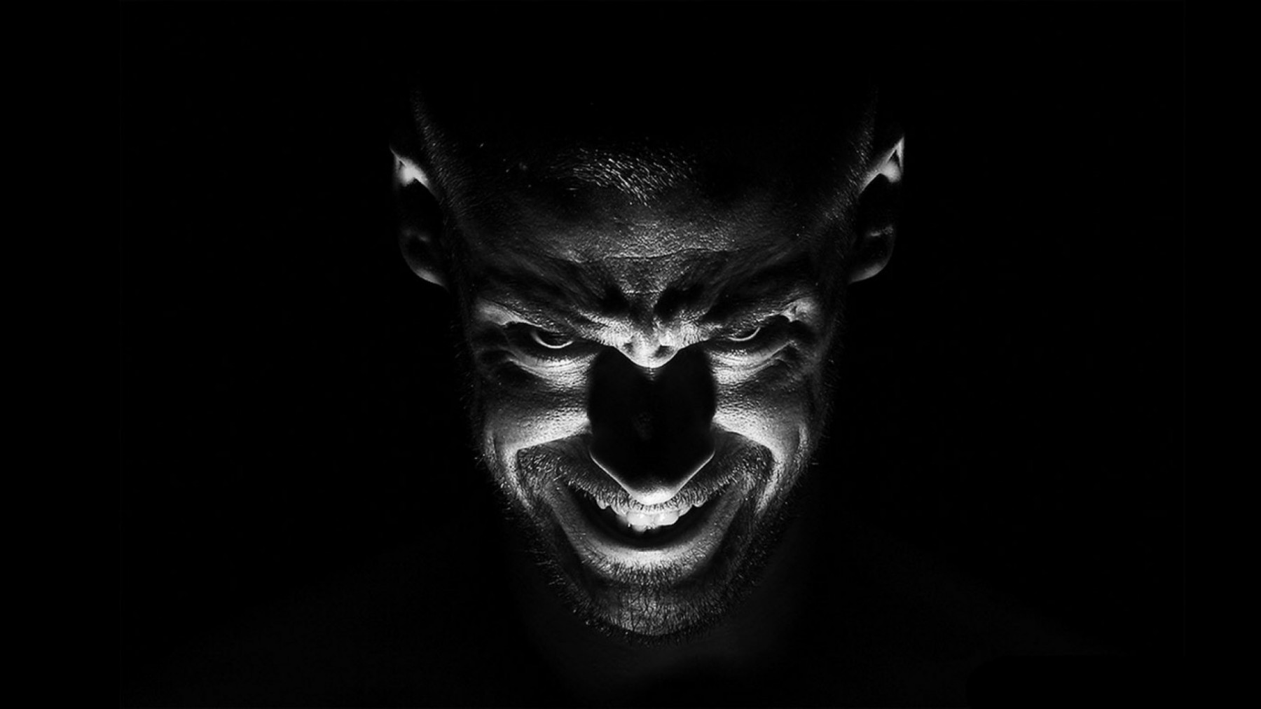 Black and White Demon Portrait – Photography Wallpapers