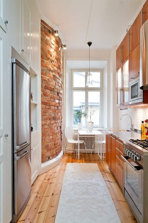 That red brick wall! and kitchen!