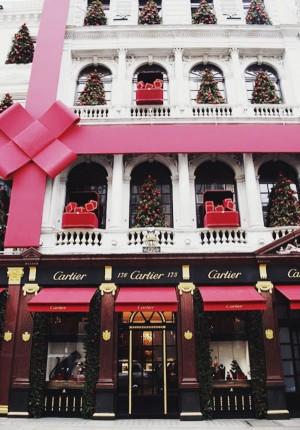 christmastime in Paris