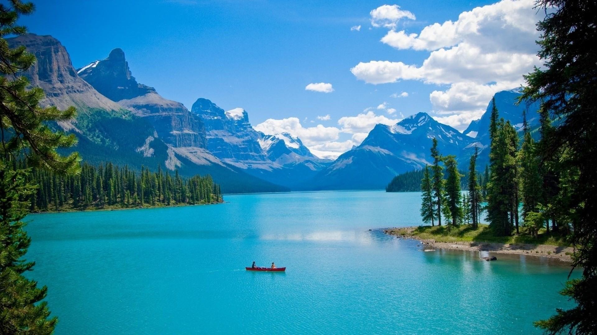Canadian Lake in Mountains – Photography Wallpapers