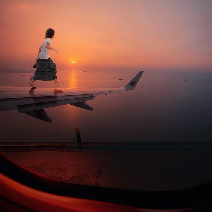 Conceptual photography of Caras Ionut | Downgraf