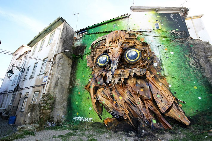 Creates Amazing Owl Sculpture from Junk – Downgraf