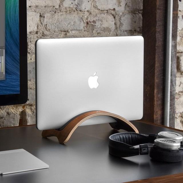 BookArc möd Macbook Stand