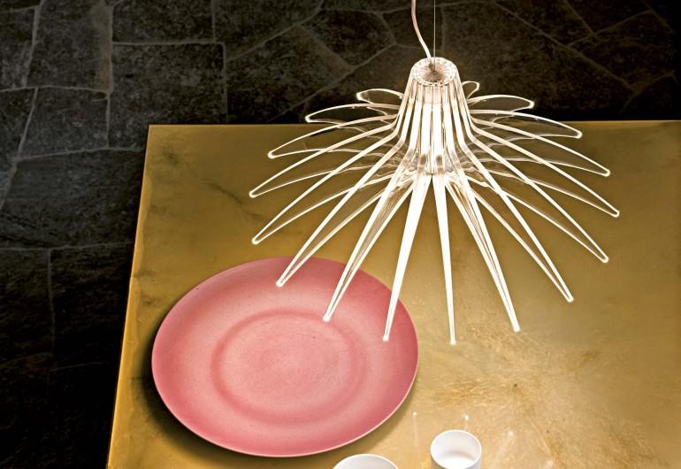 Agave Luceplan prende il suo nome dalla pianta che ha ispirato Diego Rossi e Raffaele Tedesco ne ...