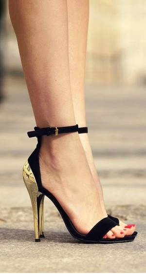 Business LAdy Style – High Heels – Red Black Gold Combination