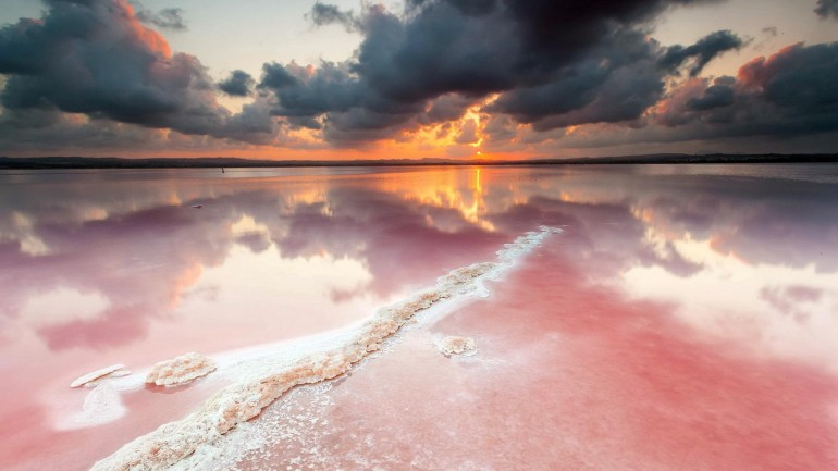 Amazing Pink Salt Lake – Photography Wallpapers