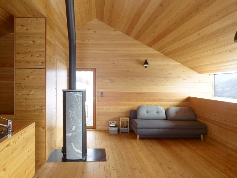 Gaudin House: old barn converted into vacation house