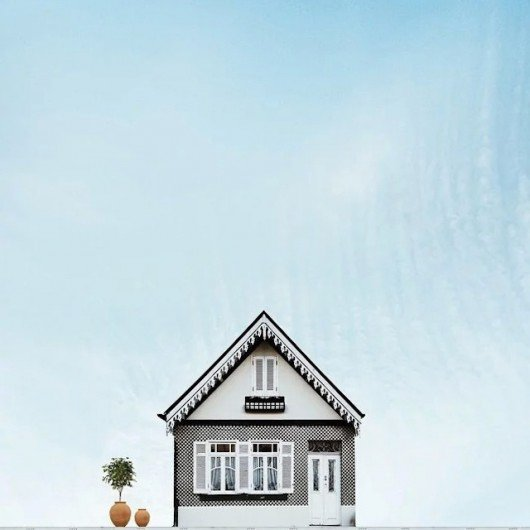 Lonely Houses: Sejkko's Surreal Photos of Traditional Portuguese Homes