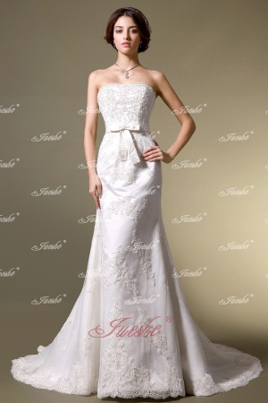 Classic Lace Appliqued Mermaid/Trumpet Strapless Wedding Dress with Belt