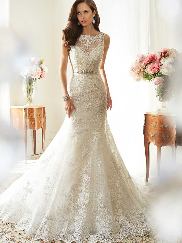Trumpet/Mermaid Scoop Sleeveless Tulle Chapel Train Applique Wedding Dresses