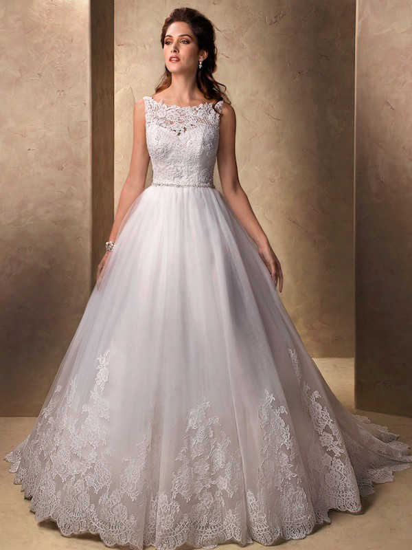 Ball Gown Bateau Sleeveless Applique Chapel Train Lace Wedding Dresses
