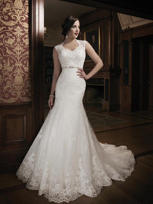 Trumpet/Mermaid Scoop Sleeveless Beading Chapel Train Lace Wedding Dress
