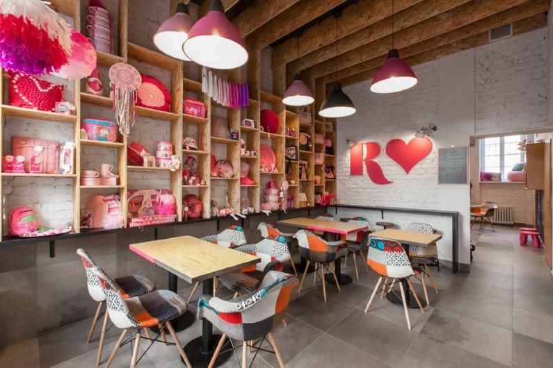 Rózove by mode:lina architekci: the pinkest shop and cafe