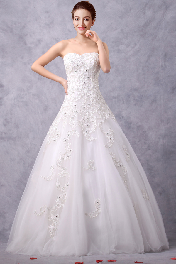 Simple Strapless Appliqued A-line Tulle Wedding Dress