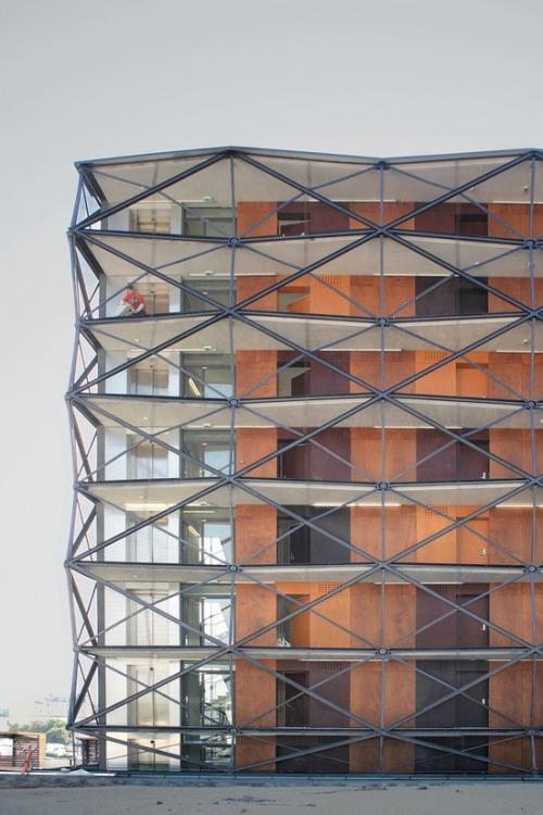 19th District Building – design by Ofis Arhitekti Architects