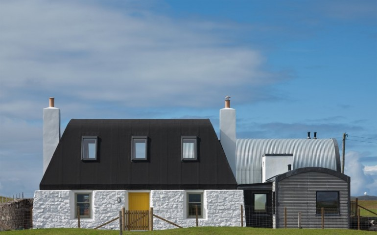 Living House inspired by traditional Scottish homes