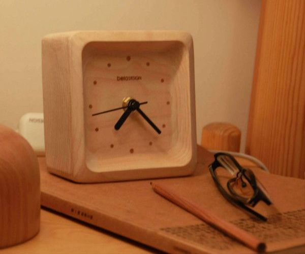 Log alarm clock