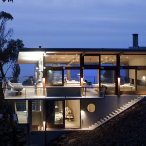Ocean House sculpted from concrete, timber and glass