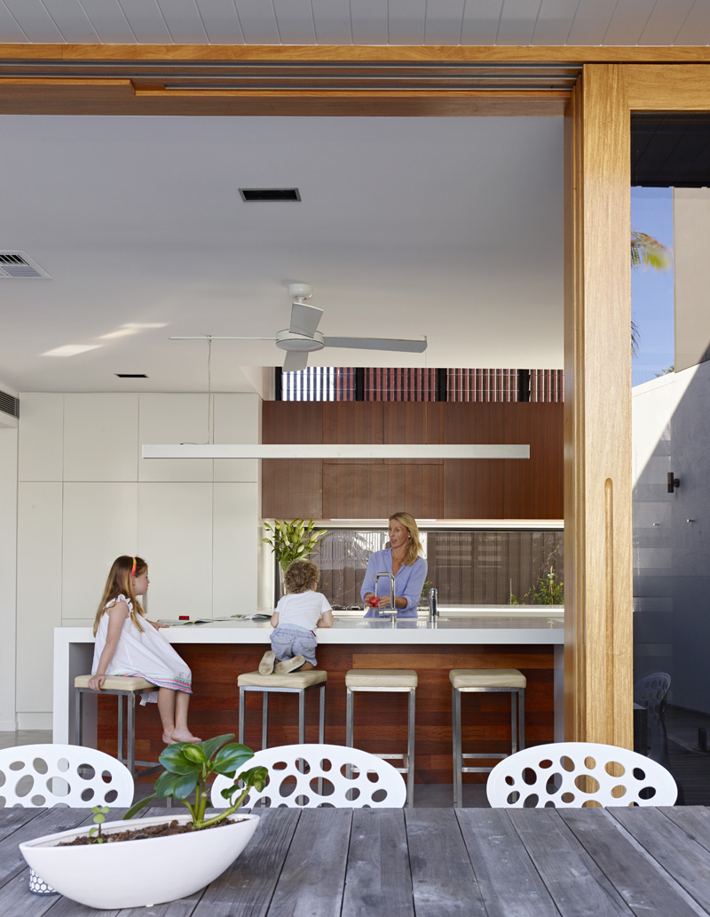 Sunshine Beach House – eclectic architectural expression