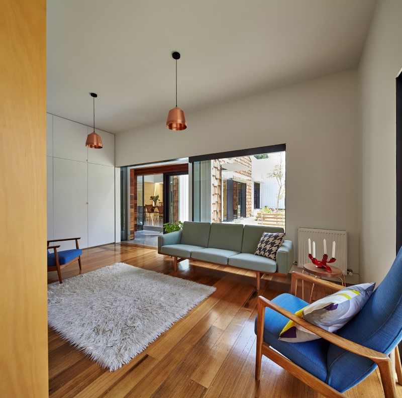 Weatherboard house – creative extension and renovation for a long-term family home