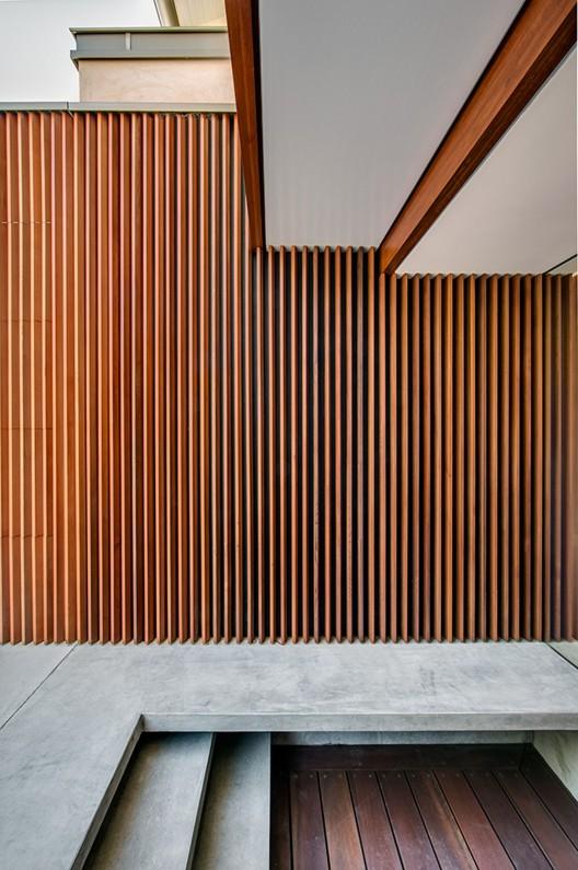 Northbridge House II / Roth Architects