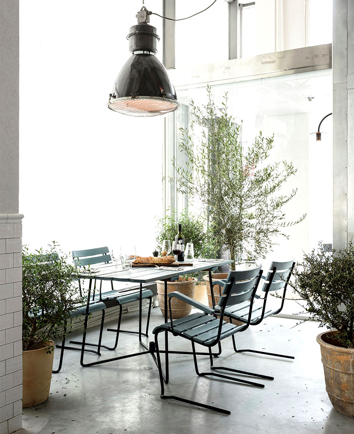 Scandinavian Inspired Minimalist Restaurant Decor – InteriorZine