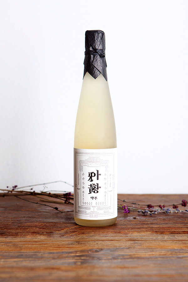 South Korean rice wine packaging – Ahwang-ju