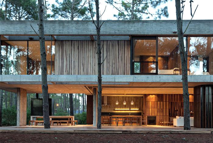 Spacious Full of Light Argentinian House – InteriorZine
