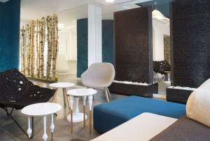 Colorful and Trendy Parisian Hotel Decor – InteriorZine