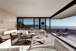 Contemporary Beach House by Smart Design Studio – InteriorZine