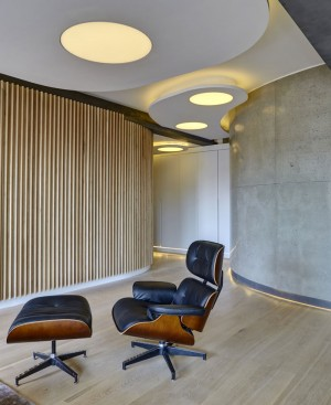 Dynamic Loft Warehouse Style Apartment – InteriorZine
