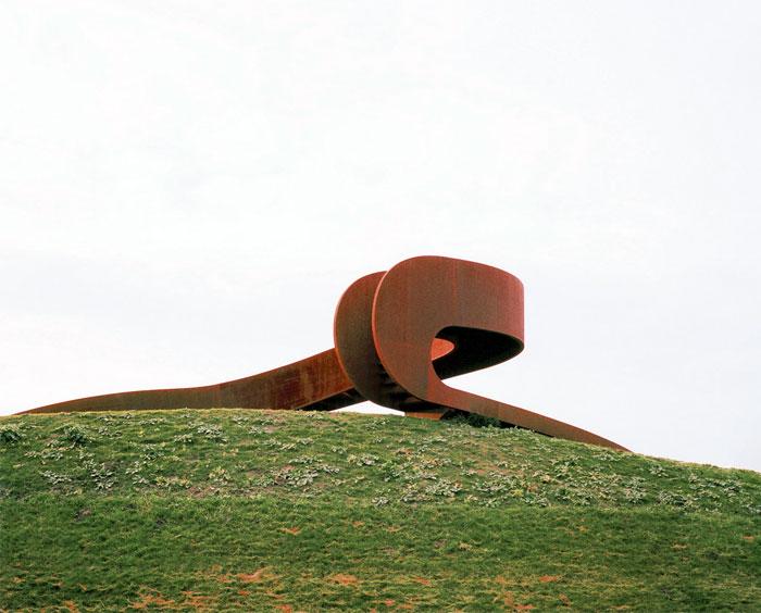 Giant Circular Stair by NEXT Architects – InteriorZine