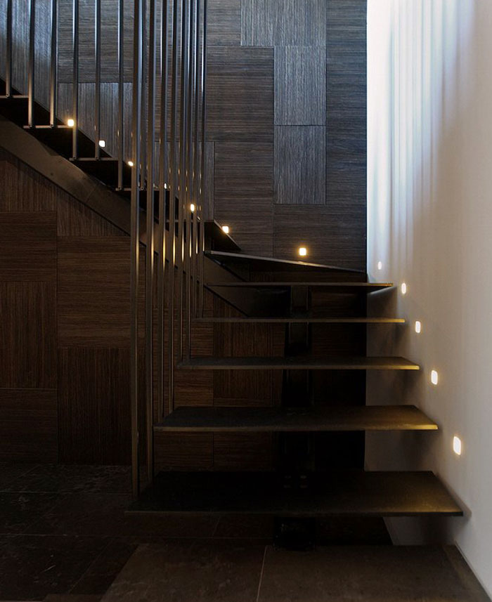 Glamorous Istanbul Apartment by Tanju Ozelgin – InteriorZine