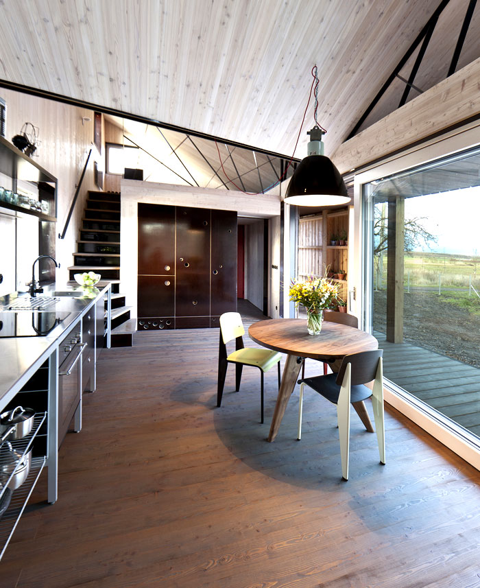 Modernistic Wooden House Zilvar – InteriorZine