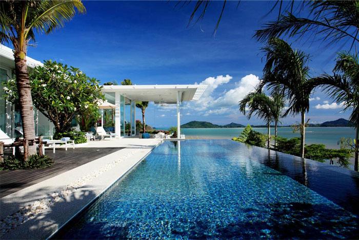 Oceanfront beach house with Unique Panorama in Phuket – InteriorZine